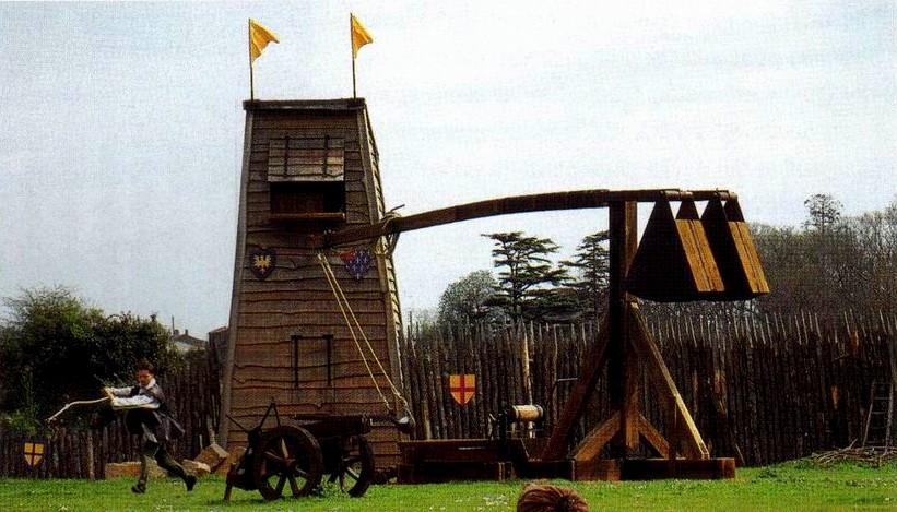 Chateau de Tiffauges (photo R. Beffeyte)(2)(tire du livre de R. Beffeyte)